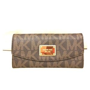 Michael Kors Jet Set Signature Check Book Wallet
